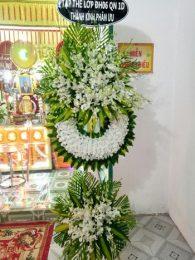vòng hoa tang màu trắng đẹp