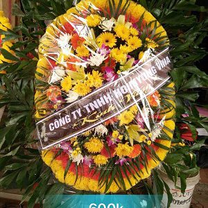 Vòng hoa tang lễ tại kim động