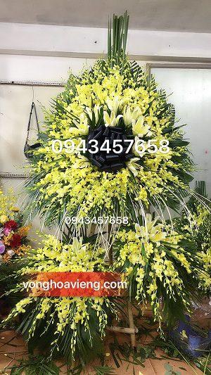 lẵng hoa 3 tầng lan vàng